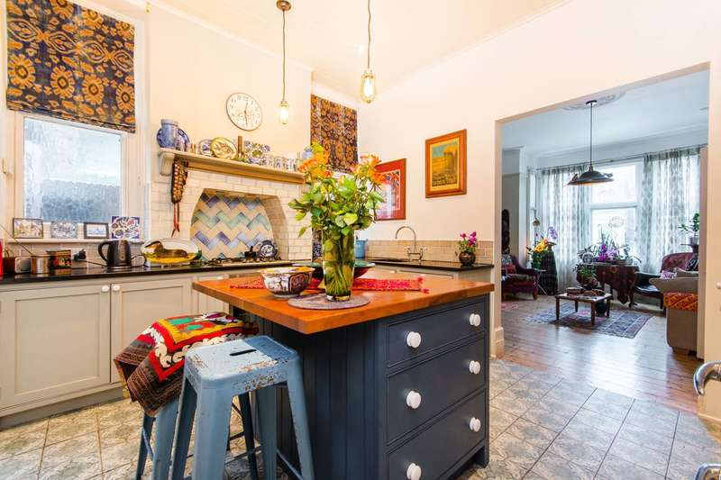 6 Bedrooms Semi Detached House for sale in Greyhound Lane, Streatham Common, SW16