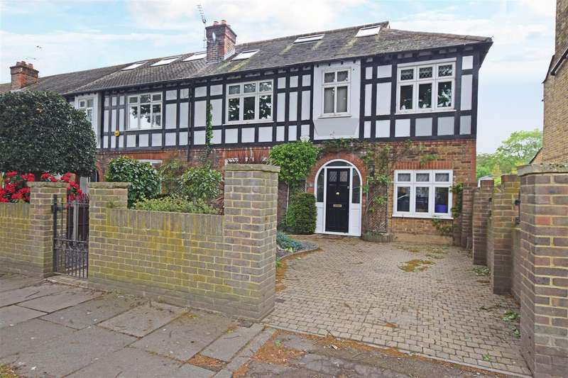 4 Bedrooms End Of Terrace House for sale in Tudor Avenue, Hampton