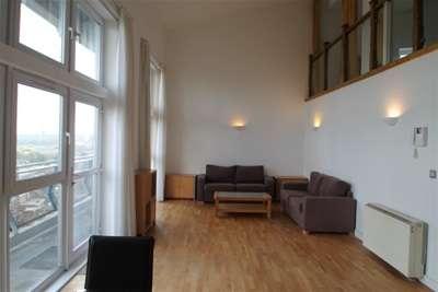 3 Bedrooms Flat for rent in Vista Building, SE18