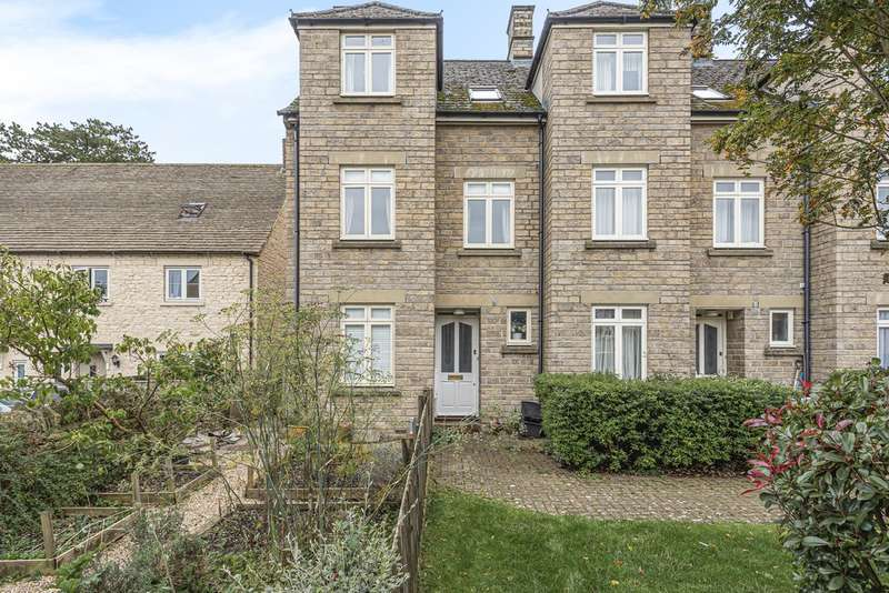 3 Bedrooms Town House for sale in Chesterton Lane, Cirencester