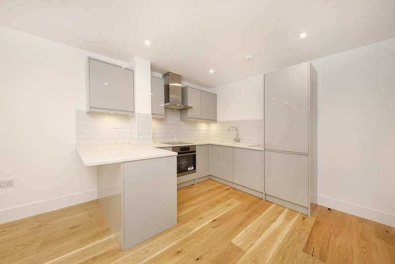 1 Bedroom Flat for sale in Lewisham Way, London