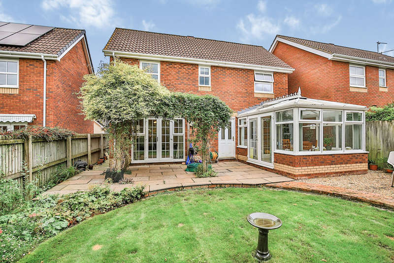 4 Bedrooms Detached House for sale in St Vincents Drive, Monmouth