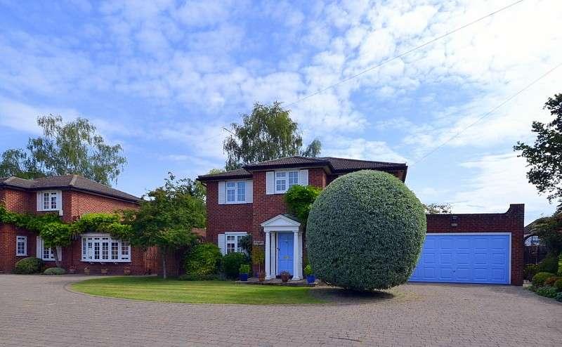 4 Bedrooms Detached House for sale in Queensway, Lower Sunbury, TW16