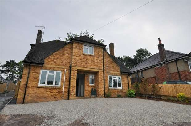 3 Bedrooms Detached House for sale in Abbotsbury Road, BROADSTONE, Dorset