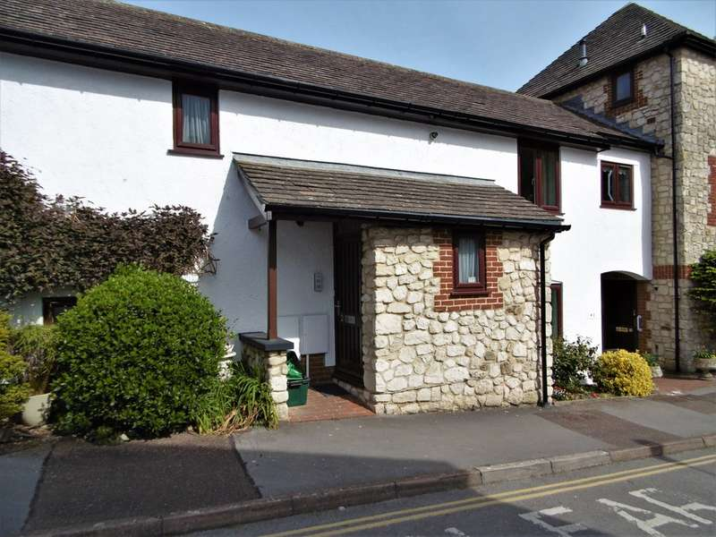 2 Bedrooms Flat for sale in Barnards Farm, Beer