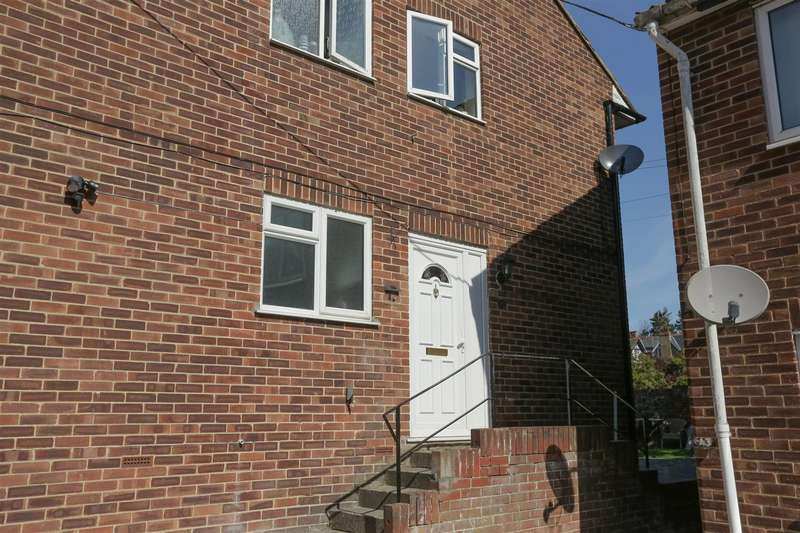 2 Bedrooms Apartment Flat for sale in Canterbury Road, Westgate-On-Sea