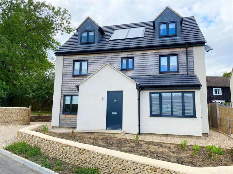 5 Bedrooms Detached House for sale in The Knoll, Uley, Dursley, GL11 5SR