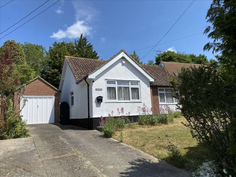 3 Bedrooms Bungalow for sale in Argosy, The Drive, New Barn, Longfield