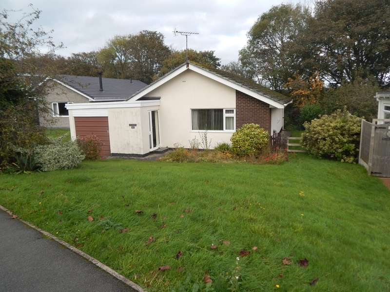 3 Bedrooms Detached Bungalow for sale in Ponc Y Fron, Llangefni, Isle Of Anglesey, LL77