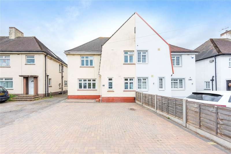 4 Bedrooms Semi Detached House for sale in Southend Arterial Road, Hornchurch, RM11