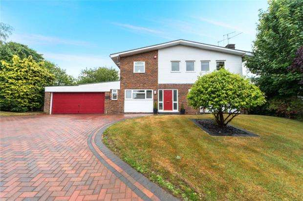 4 Bedrooms Detached House for sale in St. Johns Close, Welwyn, Hertfordshire