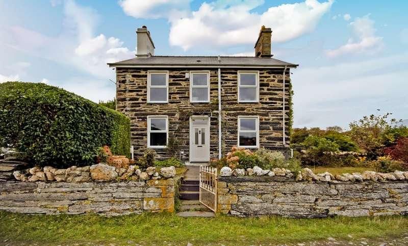 3 Bedrooms Detached House for sale in Penrhyndeudraeth, Merionethshire, Gwynedd, LL48