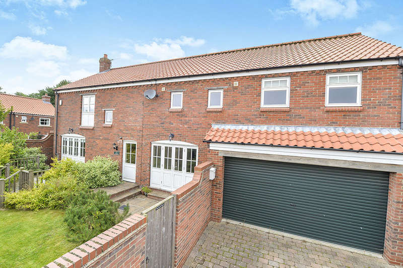 5 Bedrooms Detached House for rent in Low Road, Kirby Grindalythe, Malton, YO17