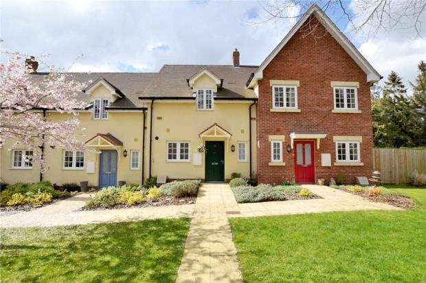 2 Bedrooms Retirement Property for sale in Dame Mary Walk, Halstead, Essex