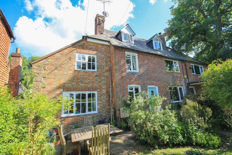 3 Bedrooms Semi Detached House for sale in Newtons Hill, Hartfield