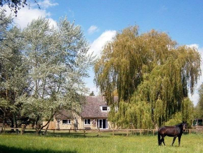 4 Bedrooms Detached House for sale in Honeybourne Lane, Chipping Campden, Gloucestershire, GL55