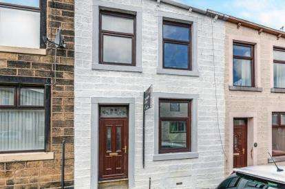 2 Bedrooms Terraced House for sale in Bath Street, Colne, Lancashire, BB8