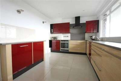 3 Bedrooms Flat for rent in Montagu Court, Gosforth