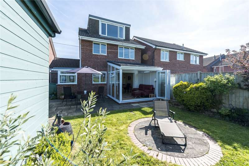 4 Bedrooms Detached House for sale in Askwith Close, Sherborne, Dorset, DT9