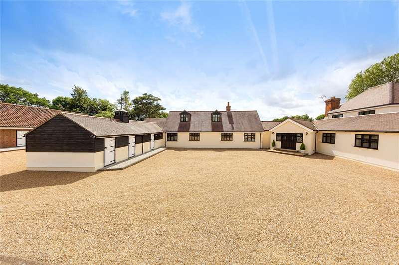 6 Bedrooms Detached House for sale in Harwood Hall Lane, Upminster, RM14
