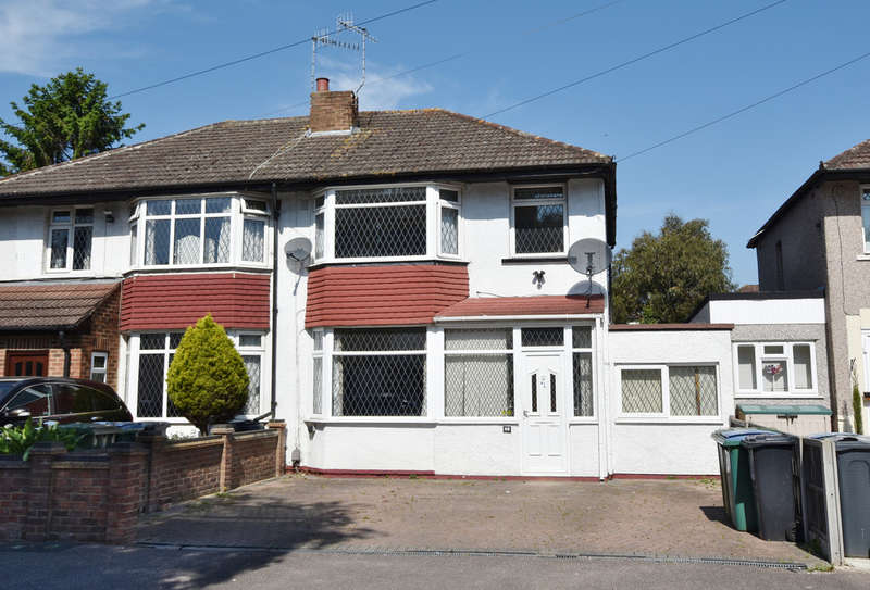 3 Bedrooms Semi Detached House for sale in Eastlea Avenue, Watford