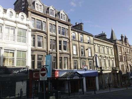 3 Bedrooms Flat for rent in King Street, Stirling