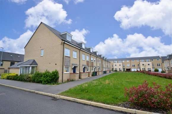 3 Bedrooms Property for sale in Cranesbill Close, Cambridge