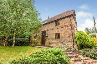 2 Bedrooms Barn Conversion Character Property for sale in Manor Farm, Bells Yew Green Road, Tunbridge Wells, East Sussex