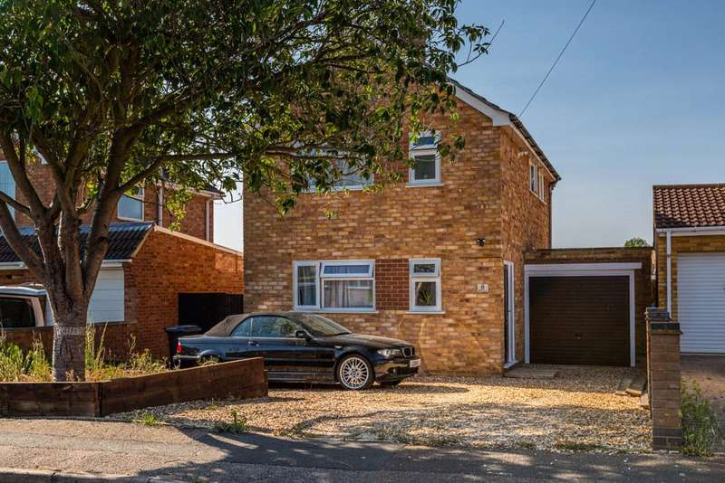 3 Bedrooms Detached House for sale in Meadow View, Higham Ferrers, `, NN10