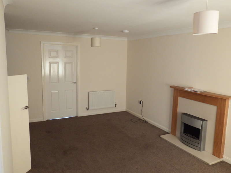 3 Bedrooms Semi Detached House for rent in Salk Road, Gorleston, Great Yarmouth