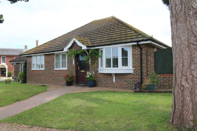 3 Bedrooms Detached Bungalow for sale in Manor Gardens, Beauxfield, Whitfield, Dover, CT16