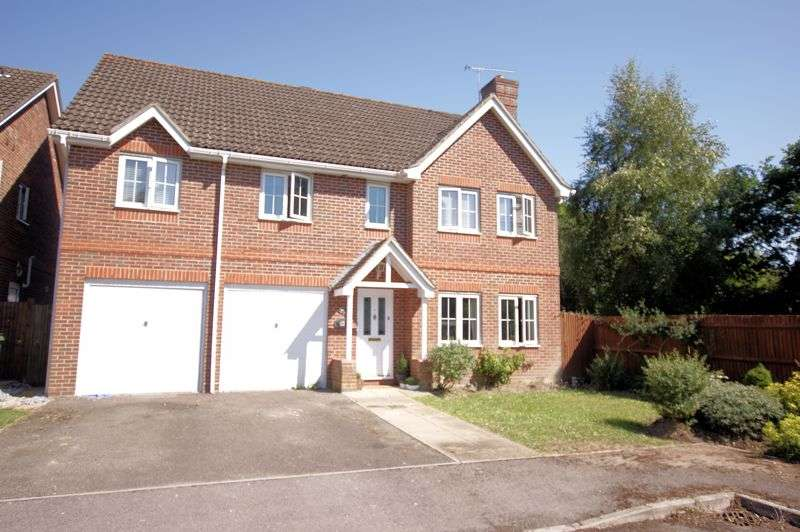 5 Bedrooms Property for sale in Roebuck Avenue, Funtley, Fareham