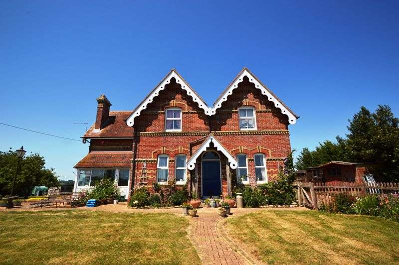 6 Bedrooms Property for sale in Whippingham, PO32 6NQ