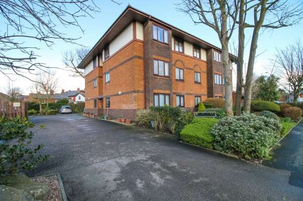 1 Bedroom Flat for sale in Lawswood Victoria Road East, , FY5