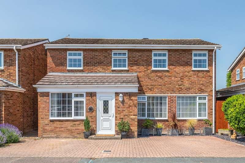 4 Bedrooms Detached House for sale in Cedar Close, Melbourn, SG8