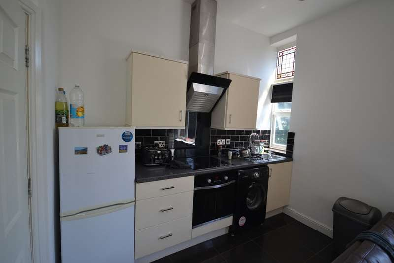 2 Bedrooms Apartment Flat for rent in St James Road , Off London Road LE2