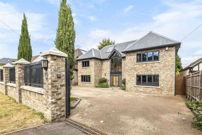 5 Bedrooms Detached House for sale in Tolmers Road, Cuffley, Hertfordshire