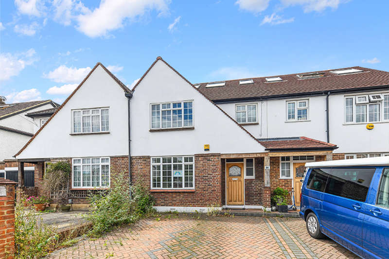 3 Bedrooms Terraced House for sale in Ditton Hill Road, Surbiton