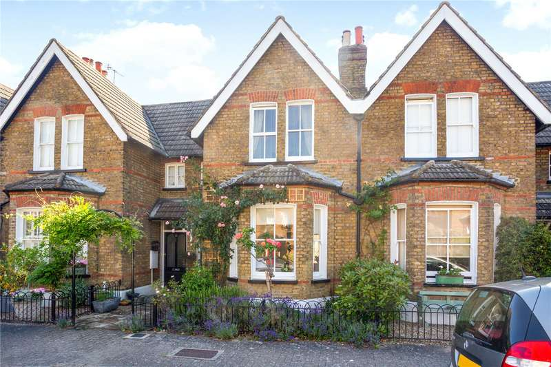 3 Bedrooms Terraced House for sale in Thurstan Road, London, SW20