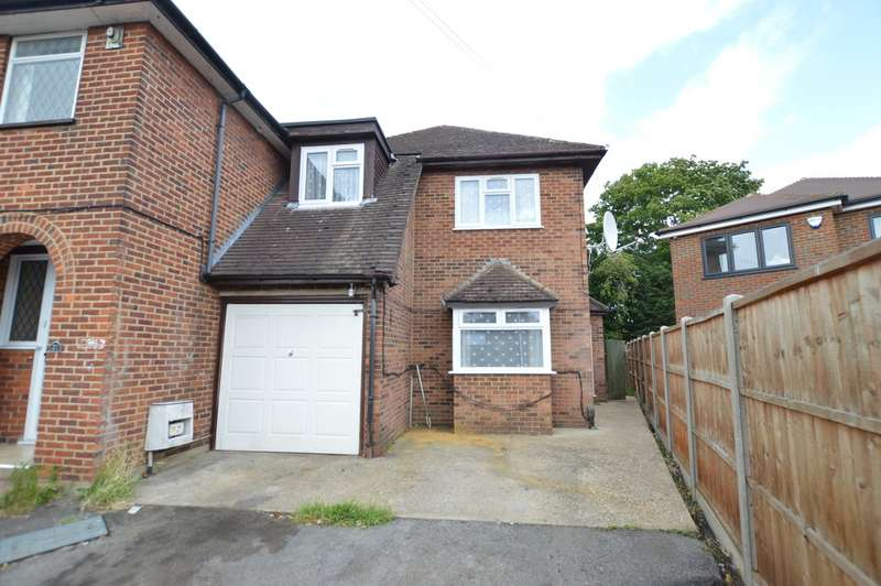 3 Bedrooms Semi Detached House for rent in Merton Road, Slough SL1