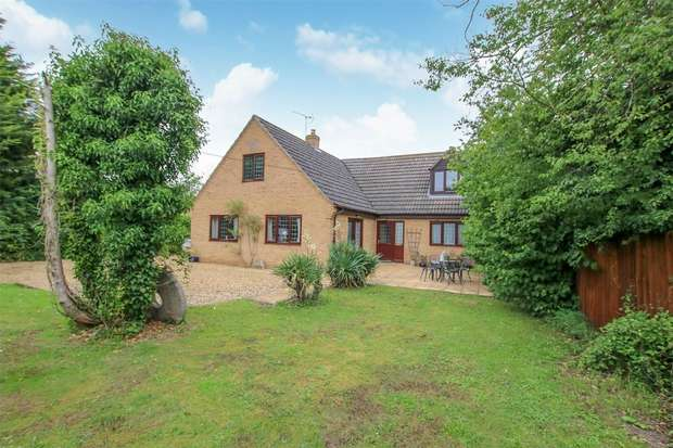 4 Bedrooms Detached House for sale in Downham Market