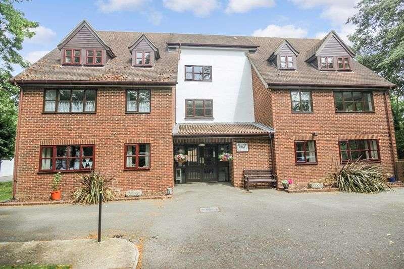 1 Bedroom Property for sale in Crittenden Lodge, West Wickham, BR4 0QD