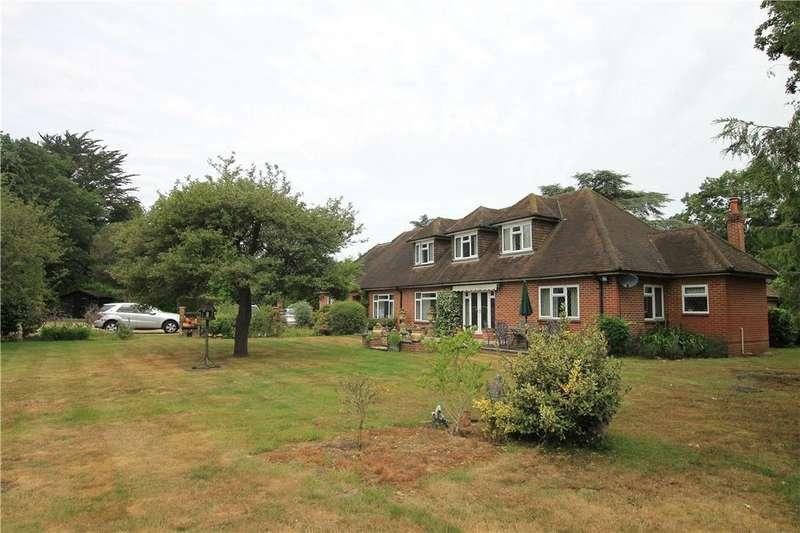 5 Bedrooms Detached House for sale in Pennypot Lane, Chobham, Woking, Surrey, GU24