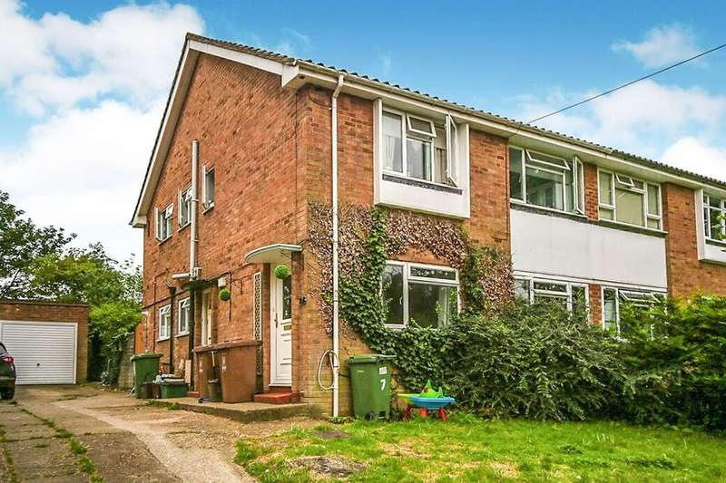 2 Bedrooms Flat for rent in Robin Hood Lane, Bexleyheath, DA6