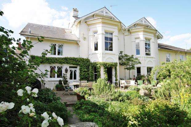 5 Bedrooms Semi Detached House for sale in The Pound, COOKHAM, SL6
