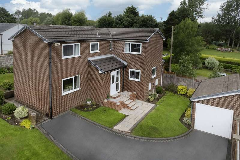 4 Bedrooms Detached House for sale in Brier Hill Close, Hartshead Moor, Cleckheaton