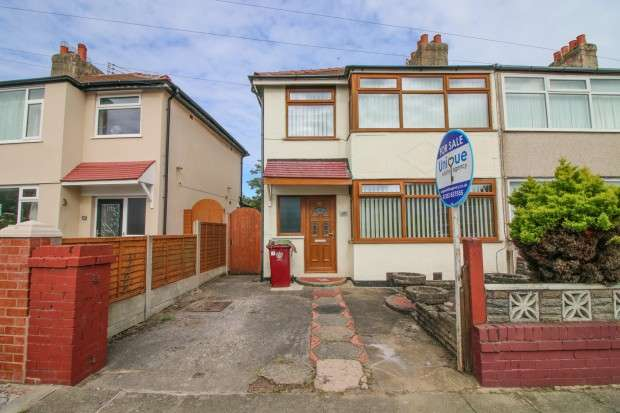3 Bedrooms End Of Terrace House for sale in Rookwood Avenue, Thornton Cleveleys, FY5