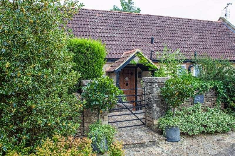 4 Bedrooms Property for sale in 9 Trimnells Colerne, CHIPPENHAM