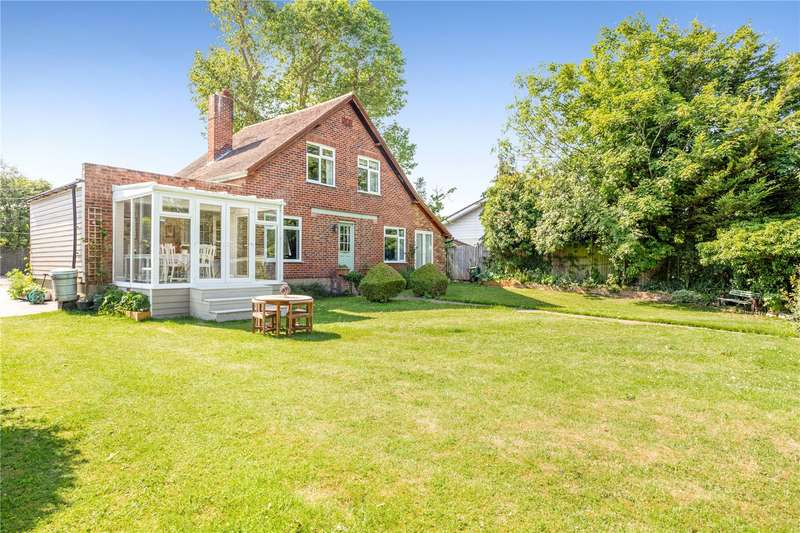 3 Bedrooms Detached House for sale in Straight Road, Old Windsor, Berkshire, SL4