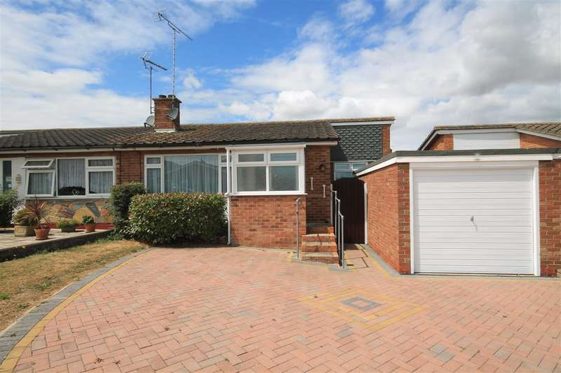 2 Bedrooms Bungalow for sale in Peregrine Close, Great Clacton